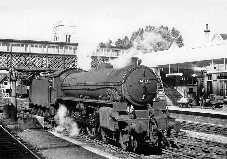 """LNER/BR THOMPSON CLASS B1 4-6-0 #61337 (UNNAMED) """"at Lincoln Central station - Aug 1964 Photo via Fotorus"""""""
