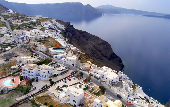 Kid-friendly hotels in Oia with pool.