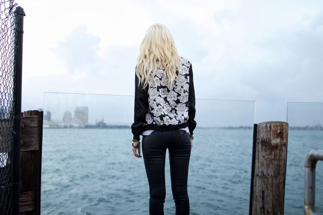 OUTFIT DEL DÍA: Flower jacket outfit - Look con chaqueta floreada