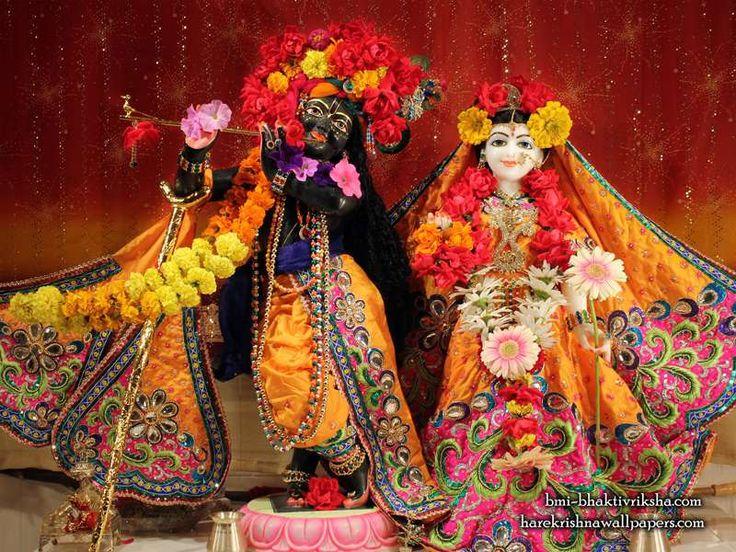Sri Sri Radha Shyamsundar  click here for more sizes http://harekrishnawallpapers.com/sri-sri-radha-shyamsundar-bloomington-illinois-wallpaper-001/