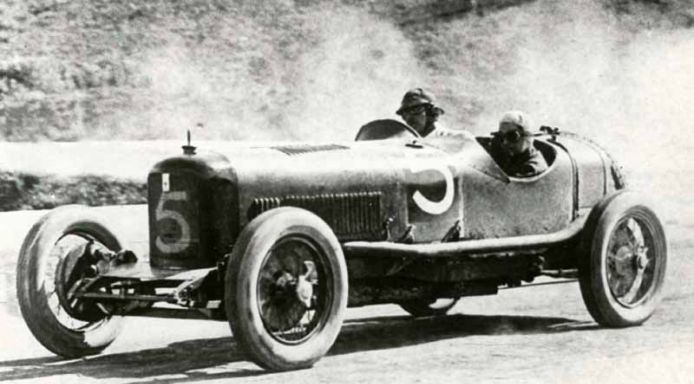 Maserati Tipo 26 (1926-1932) the first all-Maserati car, and the first to sport the trident ...