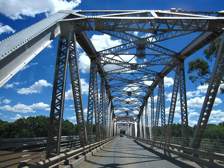Genl. Hertzogbrug oor die Oranjerivier by Aliwal-Noord
