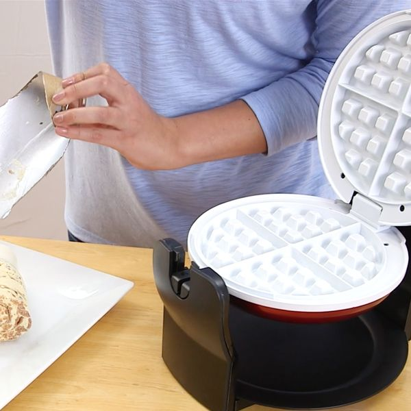 Cinnamon roll waffles? Oh yes, you can. Drizzle the frosting like syrup and you have one fun DIY breakfast!