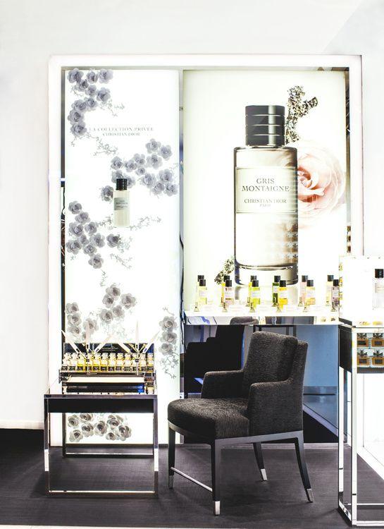 Le Hot Spot Beauté de Dior http://www.vogue.fr/beaute/buzz-du-jour/diaporama/ouverture-boutique-ephemere-de-dior/13766#!le-hot-spot-beaute-de-dior