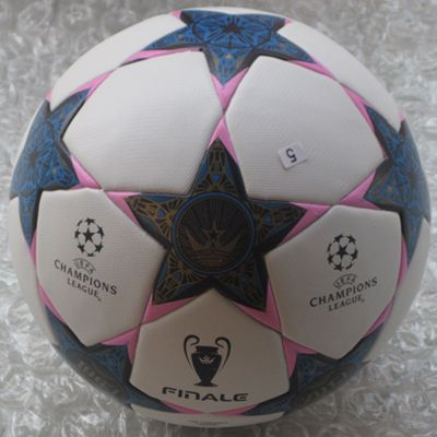Дешевое Лига чемпионов лучшее качество поезд бренд PU футбольный мяч футбол ручного шитья матч или тренировка размер 5, Купить Качество Американский и европейский футбол непосредственно из китайских фирмах-поставщиках: