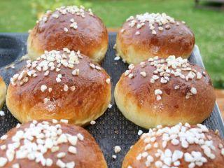Brioches au sucre perlé extra moelleuses - Recette Ptitchef