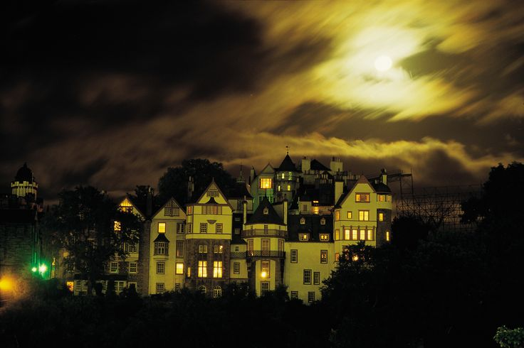 Ramsay Garden, Edinburgh. With its chilling, morbid & fascinating history, Scotland's capital is undoubtedly one of the country's spookiest cities. The Royal Mile, the famous street which links Edinburgh Castle & the Palace of Holyrood House, is packed with creepy closes, each with a grisly tale to tell. With ghosts galore, we dare you to explore…