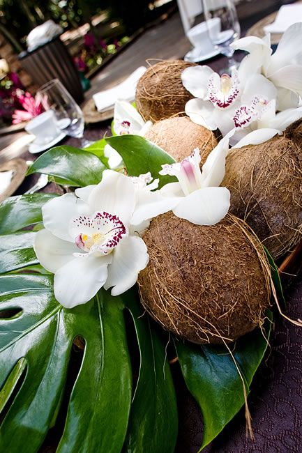 "Tropical Centrepiece Be sure to follow my board ""My perfect wedding in Fiji"" for ideas http://www.pinterest.com/kyzbro/my-perfect-wedding-in-fiji/"