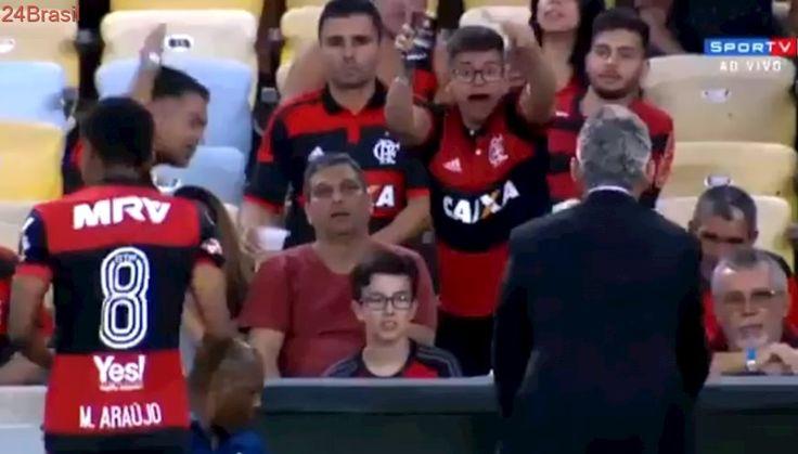 Pobre Márcio Araújo... | Torcedor do Fla se desespera com técnico e vira meme