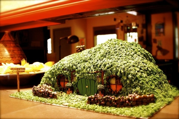 Hobbit Cake - how cool!!