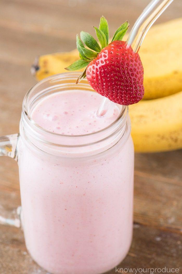 Machen Sie unseren Erdbeer-Bananen-Smoothie für eine süße Belohnung oder als Frühstücks-Smoothie …   – Smoothie Recipes