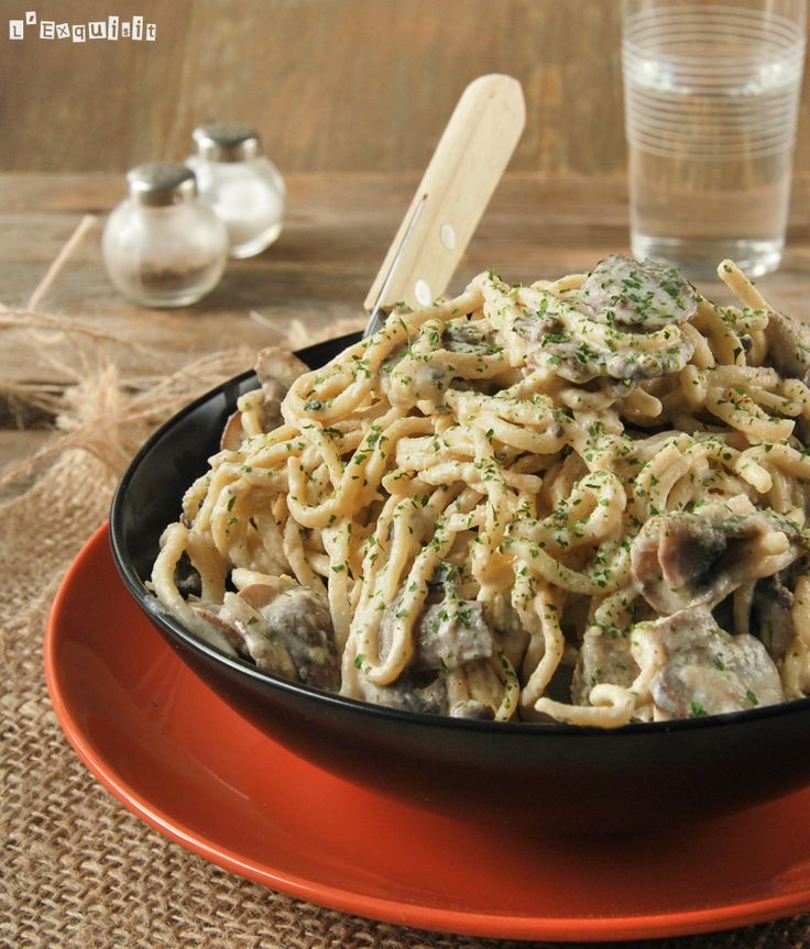Spaguettis con champiñones a la crema
