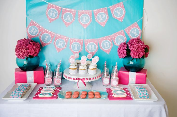 A turquoise and pink spa birthday party perfect for a girly girl.: Party'S, Birthday Sweet, Spa Parties, Spa Birthday Parties, Sweet Spa, Parties Ideas, Spa Party, Spaparti, Desserts Tables