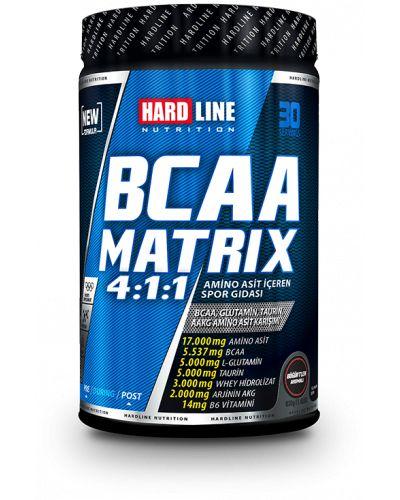 Hardline BCAA Matrix 630gr, servis başına 4:1:1 oranında Bcaa yanında, glutamin, taurin, arjinin ve bir miktar hidrolize whey protein içeren yüksek kalitede üretilmiş amino asit takviyesidir. BCAA Matrix, yoğun antrenman dönemlerinde protein dengenizi korumaya ve kas gelişiminize yardımcı olabilir.