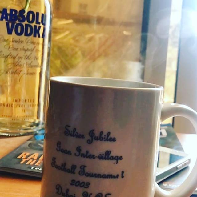 #mug #butfirstcoffee #espresso #blackcoffee #percorsicreativi #coffee #coffeemug #coffeegram #coffeelove #coffeeart #coffeeholic #coffeebreak #coffeelover #coffeeaddict #coffeelife #nespresso #flower #flowers #flowerporn #flowerslovers #flowerstalking #flowerstyles_gf #flowerstagram #darlingmovement #thatsdarling #moodboard #moodoftheday #moodygrams #igers #ig_mood http://gelinshop.com/ipost/1520356286989617172/?code=BUZY_ziDEgU