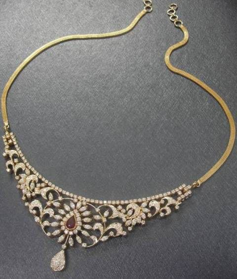 Gehna offer Artistic Indian Diamond Necklace to craft by handmade jewellery in Chennai.