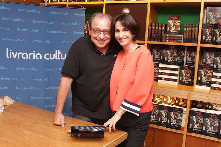 """Lançamento do livro """"Noites do meu bem"""" do jornalista Ruy Castro, na Livraria Cultura"""