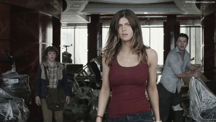 San Andreas set visit : Interview with Alexandra Daddario San Andreas #SanAndreas