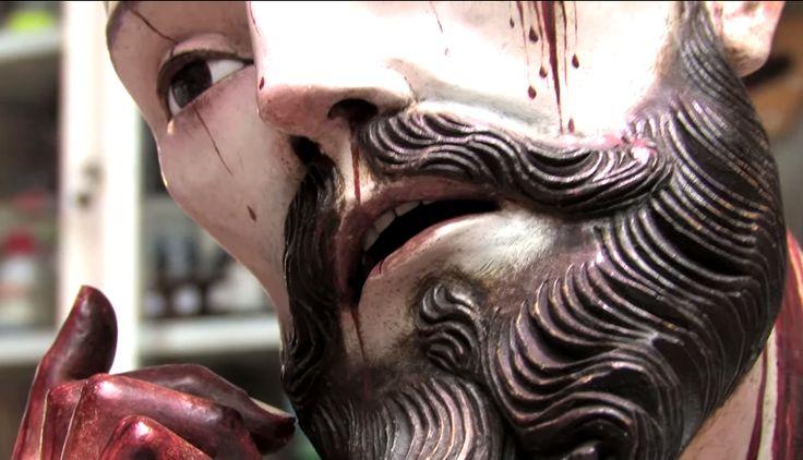 Hallazgo de dientes humanos en estatua de Cristo.   http://www.youtube.com/watch?v=Z-OqM89EagY
