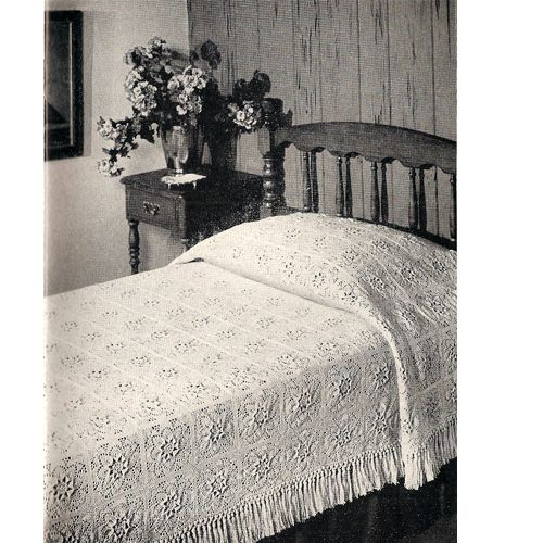 It takes 216 motifs to make the Puritan bedspread, but, oh what a beauty !