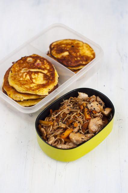 1) placuszki z czereśni 2) Stir-fry z kurczakiem, warzywami i czarnym sezamem