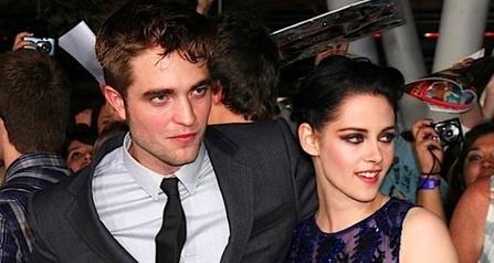 Yuk lihat updetan terbaru Robert Pattinson dan Kristen Stewart Putus  Selamanya! dari SelebNews sekarang juga!