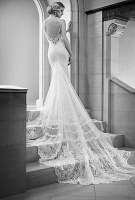 Robe de mariée sirène fluide dos nu sans manche                                                                                                                                                                                 Plus