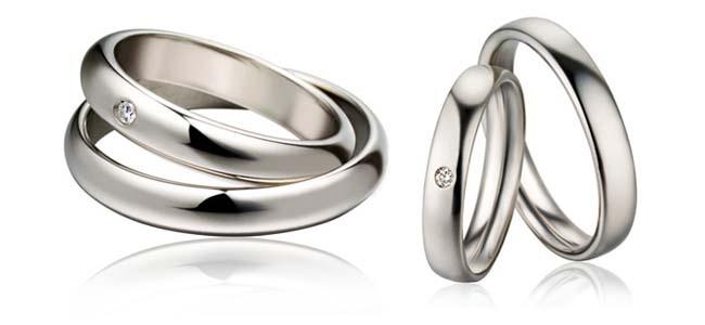 Polello #Polello #gioielli #Mani esperte di #persone che si prendono cura di ogni #dettaglio. #Oro e #platino plasmati con #diamanti incastonati con precisione. Ogni #anello è un pezzo unico per il tuo #partner. L'intensità dell'#emozione è trasmessa con l'#amore per la realizzazione. Venite a scoprire la migliore #tradizione #orafa made in #Italy qui da #EvìGioielleria. #gessate https://www.facebook.com/evipreziosi…