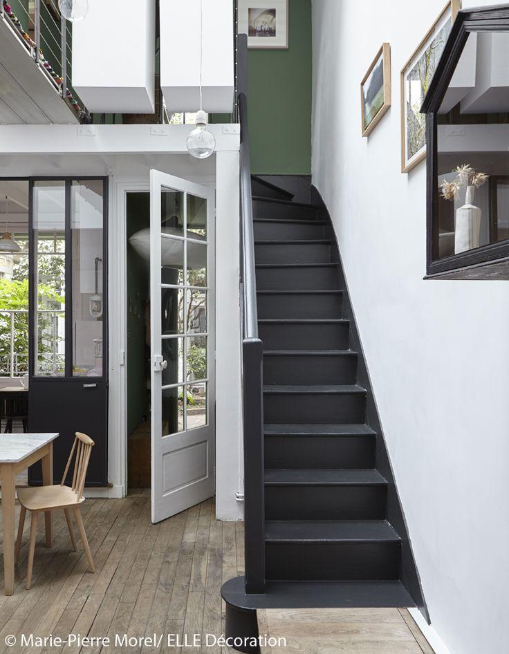 les 25 meilleures id es de la cat gorie cage d 39 escalier noire sur pinterest escaliers peints. Black Bedroom Furniture Sets. Home Design Ideas