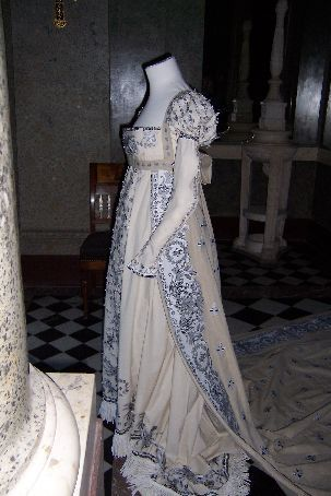 Fabulous Style back then. Were so drab now. Dress belonging to Empress Josephine de Beauharnais from Malmaison. From http://journals.worldnomads.com/nicolasophie/story/12537/France/3rd-December