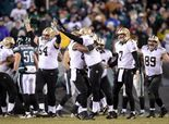 Saints win 1st playoff game outdoors, in cold vs. Eagles