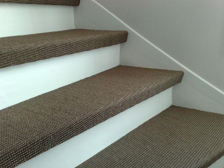 Sisalteppe i trappen