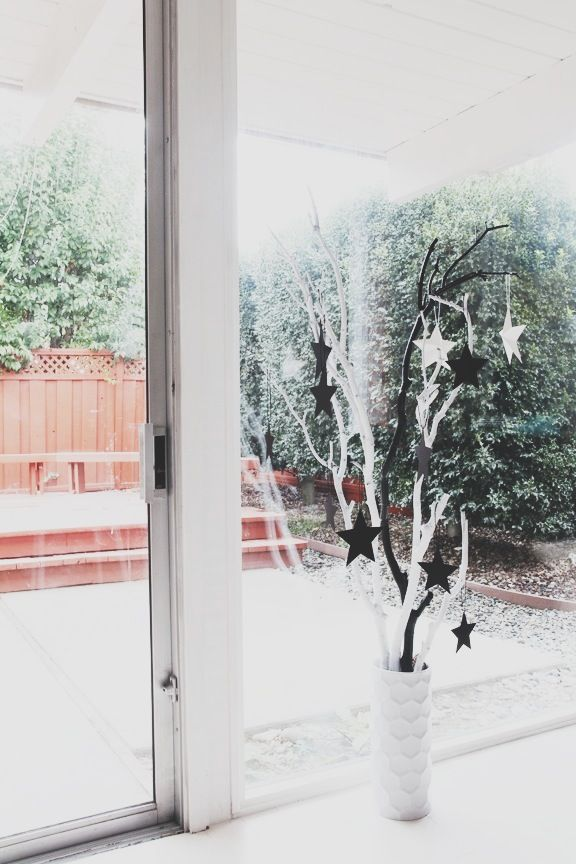Made some simple Decorations...           Made a small Himmeli Ornament ...      And branches with stars...      Watched a preschool Christm...