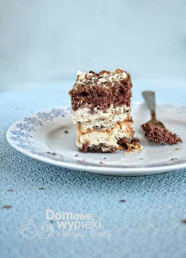 Ciasto kawowe z pastą daktylową i orzechami