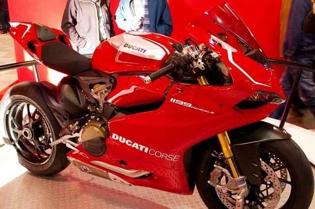 Top 15 Fastest Heavy Bikes In 2019 Ducati 1199 Panigale Ducati