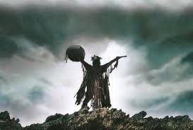 Lo sciamanesimo si riferisce a una vasta gamma di credenze e pratiche tradizionali che comprende la capacità di diagnosticare e curare malattie, nonché tutti i possibili problemi della comunità e del singolo, dal come procurarsi il cibo al come sbarazzarsi dei nemici.