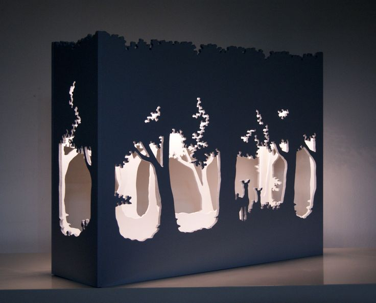 """Petit théâtre d'ombres"", lampe d'ambiance grise et blanche en bois fabriquée artisanalement. Dimensions 50*40*15 cm. Eclairage Led. Disponible sur la boutique de Céline Calmettes Créations chez alittlemarket.com ""Small shadow theater"", swig of wooden grey and white atmosphere made by craftsmen. Dimensions 50*40*15 cms. Lighting Led. Available on Céline Calmettes Créations's shop to alittlemarket.com"