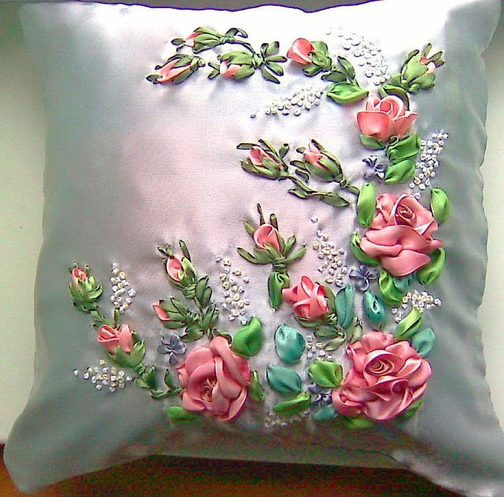 Love the silvery fabric behind the flowers