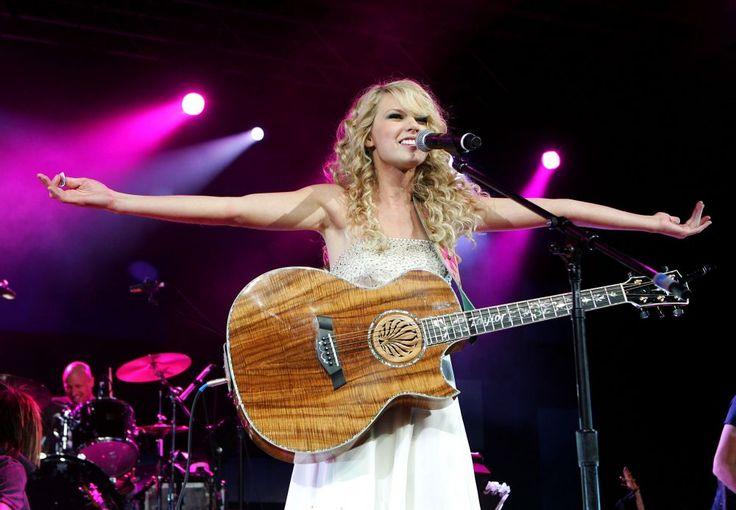 Taylor Swift pleacă din Noua Zeelandă supărată! - http://www.facebook.com/1409196359409989/posts/1498247507171540