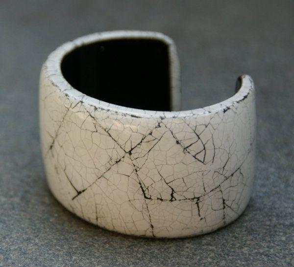Culture Mix Armband Tamara (A-CM-404) | Prachtige grote armband van Nederlandse sieraden merk Culture Mix gemaakt van gebroken eierenschelpen in hars. #armband, #armbanden, #CultureMix,