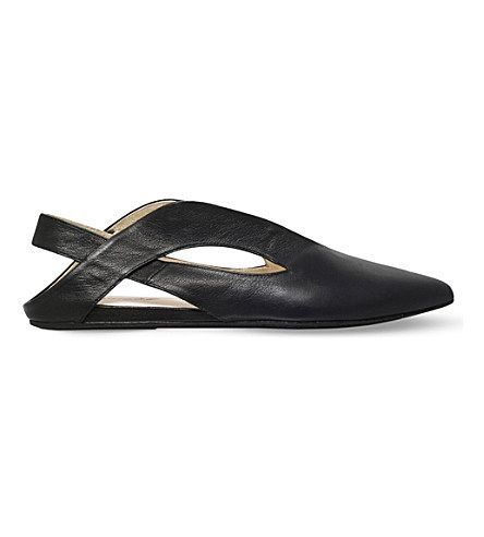 MARSÈLL Augie Leather Pointed Flats. #marsèll #shoes #flats