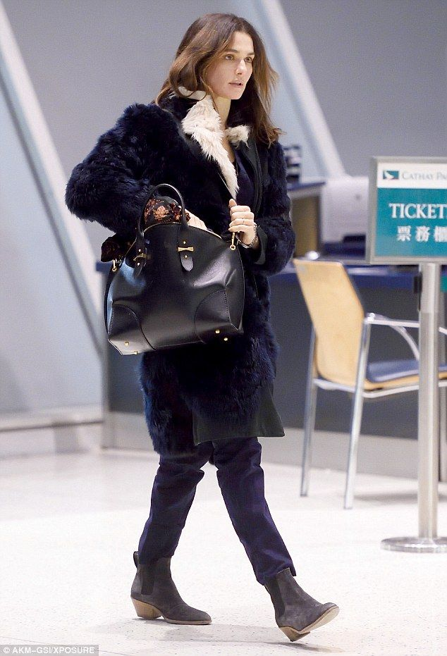 Traveling in style! Rachel Weisz, 45, looked chic as she arrived at JFK airport on Thursda...