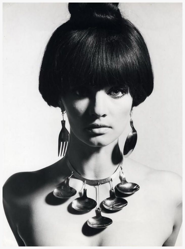 Marie Lise Gres in kitchenwear jewellery, 1965. Photo by Ronald Falloon.