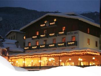 IRIS FAMILY HOTEL 3 Stelle – Andalo in Trentino