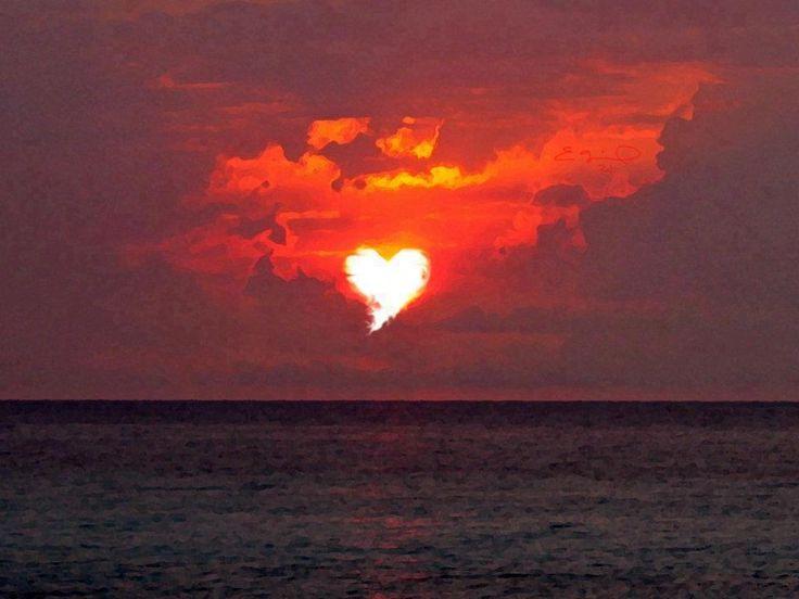 love in the sky...Palms Beach, Real Life, Valentine Day, The Ocean, Heart Shape, Sunris, Beautiful, Heart Sunsets, Bleeding Heart