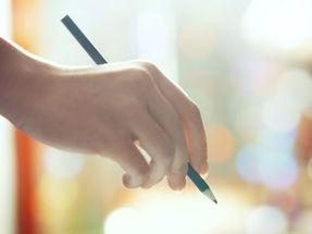 How to Balance Full-Time Work and Online Nursing Classes | NurseTogether.com
