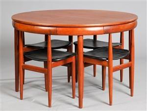 Hans Olsen 1919-1992.Teak wood dinner table and four chairs designed 1952 for Frem Røjle