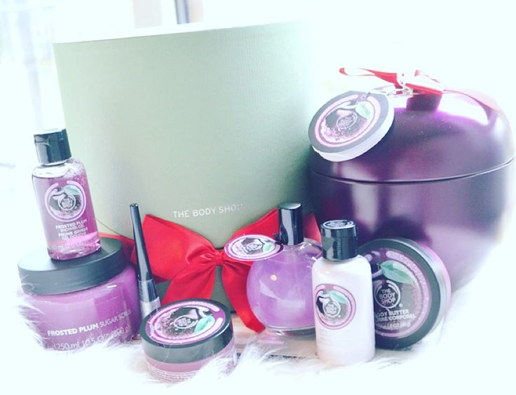 The Body Shop Kerst Collectie 2015 + Frosted Plum Review! by Elise Joanne | Elise Joanne  #BEAUTY, #Christmas, #Douche, #FrostedCranberry, #FrostedPlum, #FujiGreenTea, #GlazedApple, #HandenNagels, #Huidverzorging, #Kerst2015, #MakeUp, #Parfum, #Review, #TheBodyShop, #Verzorging
