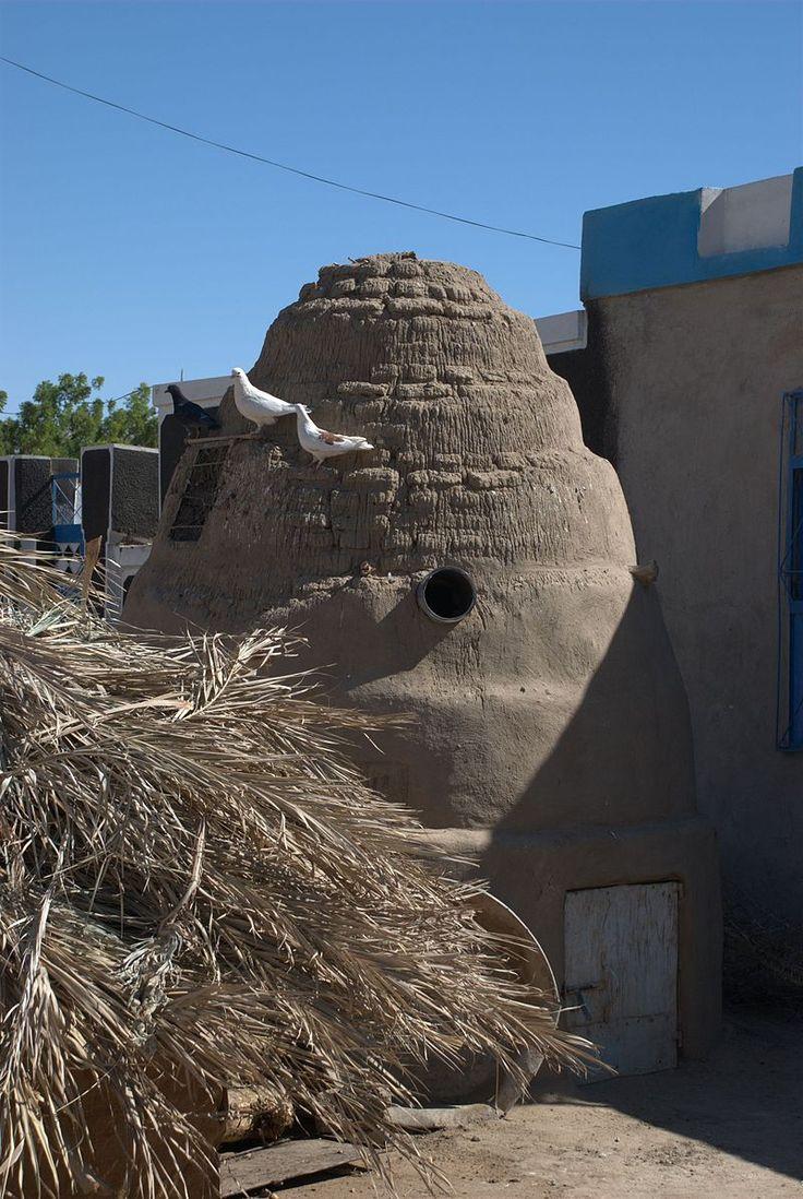 Dovecote Kerma - Kleine Taubenschläge außerhalb oder im Innenhof einzelner Gehöfte werden geschätzt und gepflegt. Bei Kerma in Nordsudan.