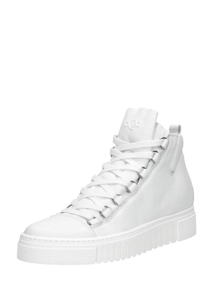 Met deze robuuste AQA sneakers sta je stevig in je schoenen tijdens een festival.